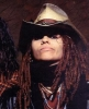 linda perry picture2